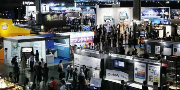 Visitors roam around booths at Tokyo Game Show 2011 in Makuhari, east of Tokyo,Thursday, Sept. 15, 2011. (AP Photo/Koji Sasahara)