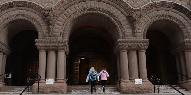 TORONTO, ON - MARCH 10:  Fans show up at Old City Hall court house to show support for Justin Bieber on March 10, 2014 in Toronto, Canada.  (Photo by Jag Gundu/Getty Images)