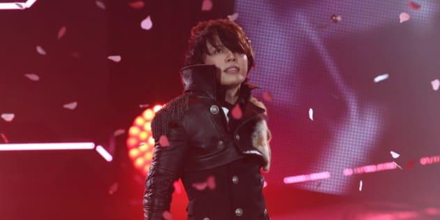 URAYASU, JAPAN - JUNE 14:  Japanese singer T.M.Revolution performs onstage during MTV Video Music Awards Japan 2014 at Maihama Amphitheater on June 14, 2014 in Urayasu, Japan.  (Photo by Ken Ishii/Getty Images)
