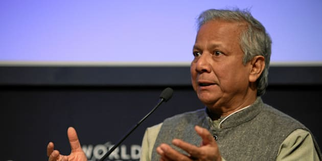 DAVOS-KLOSTERS/SWITZERLAND, 29JAN09 - Muhammad Yunus, Managing Director, Grameen Bank, Bangladesh, listens during the session 'Restoring Growth through Social Business' at the Annual Meeting 2009 of the World Economic Forum in Davos, Switzerland, January 29, 2009.