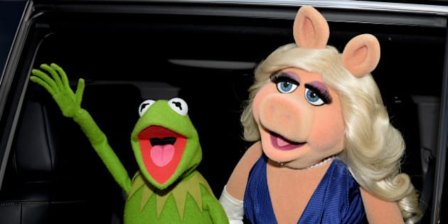 LOS ANGELES, CA - MARCH 11:  Kermit the Frog (L) and Miss Piggy arrive at the premiere of Disney's 'Muppets Most Wanted' at the El Capitan Theatre on March 11, 2014 in Los Angeles, California.  (Photo by Kevin Winter/Getty Images)