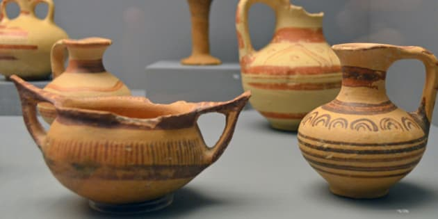 """Front left, kantharos with raised pointed handles (Type A), from Sparto (Σπάρτο), 9513. Front right, Jug, from Sparto, 9508. Middle left, jug, Sparto, 9507. Middle right, jug, Sparto, 9510. Back left, flask, Sparto, 9509. Back right, kylix, from Saradaporo loc. Portes (Σαραντάπορο, θέση Πόρτες), 549.  Archaeological Museum of Aiani/Αιανή (<a href=""""http://www.mouseioaianis.gr/en/"""" rel=""""nofollow"""">Official website</a>; <a href=""""http://odysseus.culture.gr/h/1/eh151.jsp?obj_id=3386"""" rel=""""nofollow"""">Ministry of Culture</a>; <a href=""""http://www.greekmuseums.gr/en/thelist/thematical/118-Archaeological-Museum-of-Aiani.html"""" rel=""""nofollow"""">Greek Museums Portal</a>; <a href=""""http://en.wikipedia.org/wiki/Aiani_Archaeological_Museum"""" rel=""""nofollow"""">Wikipedia</a>), Kozani, Greece.   Ancient Aiane (<a href=""""http://pleiades.stoa.org/places/491511/"""" rel=""""nofollow"""">Pleiades</a>; <a href=""""http://www.perseus.tufts.edu/hopper/text?doc=Perseus:text:1999.04.0006:id=kaliane"""" rel=""""nofollow"""">PECS</a>; <a href=""""http://odysseus.culture.gr/h/3/eh351.jsp?obj_id=2360"""" rel=""""nofollow"""">Ministry of Culture</a>; <a href=""""http://en.wikipedia.org/wiki/Aiani"""" rel=""""nofollow"""">Wikipedia</a>)  See B. Eder, """"<a href=""""http://www.aegeobalkanprehistory.net/article.php?id_art=11"""" rel=""""nofollow"""">The Northern Frontier of the Mycenaean World</a>"""" and G. Karamitrou-Mentessidi, """"<a href=""""http://www.aegeobalkanprehistory.net/article.php?id_art=6"""" rel=""""nofollow"""">The Late Bronze Age in Aiani</a>"""" for the wider context."""