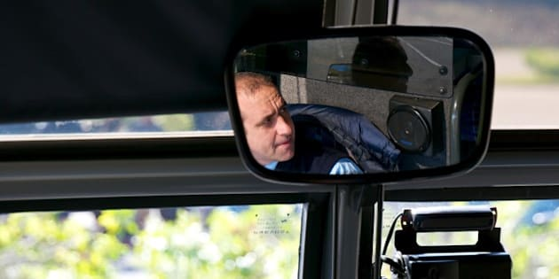 You can see the tour bus behind us in the reflection of the reflection of the reflection….