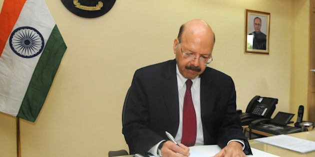 NEW DELHI, INDIA - APRIL 19: Nasim Zaidi takes charge as the new 20th chief election commissioner (CEC), on April 19, 2015 in New Delhi, India. After taking charge as CEC, Zaidi said the EC would focus on voter-centric activities from enrollment to enable them with e-services. He said, 'Holding of free and fair elections at all costs based on error-free electoral rolls will be the aim of the election commission.' (Photo by Imtiyaz Khan/Hindustan Times via Getty Images)