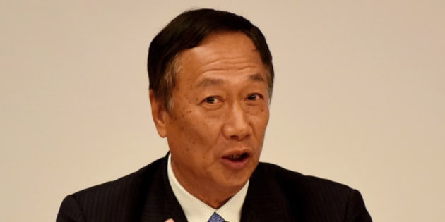 NEW DELHI, INDIA - AUGUST 4: Chairman and CEO of Foxconn Terry Gou during an interaction with the media personnel on August 4, 2015 in New Delhi, India. Taiwanese electronics giant Foxconn declared that it was going to invest in India across verticals like manufacturing, start-ups, energy and e-commerce portals and was also looking at bringing supply chain companies and major technologies here. (Photo by Vipin Kumar/Hindustan Times via Getty Images)