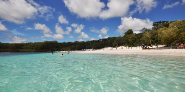 (GERMANY OUT) Paradiesische Landschaft auf Fraser Island am Lake McKenzie, einem australischen Weltnaturerbe   (Photo by Thomas Schubert/ullstein bild via Getty Images)