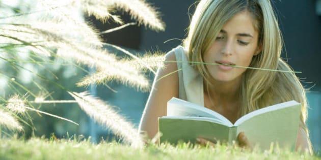 Ecco perché dovreste prendere un romanzo e leggerlo se vi sentite smarriti
