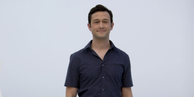 """Actor Joseph Gordon-Levitt poses for the photographers to promote his upcoming film, """"The Walk"""", at the Summer of Sony photo call in Cancun, Monday, June 15, 2015. (AP Photo/Christian Palma)"""