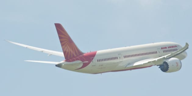 AI's Dreamliner demonstrating its stunning wing flex...