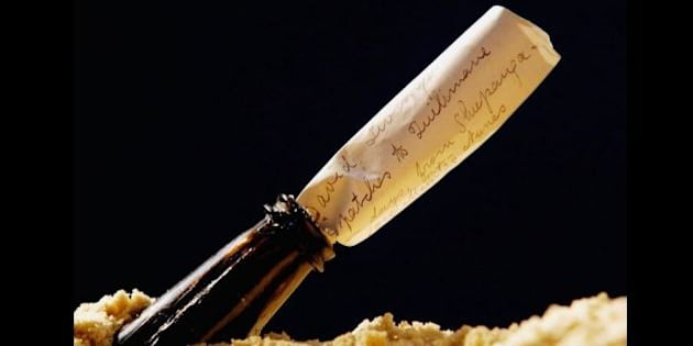 Il messaggio in una bottiglia più antico del mondo ritrovato in una spiaggia in Germania. Ha 108 anni (FOTO)