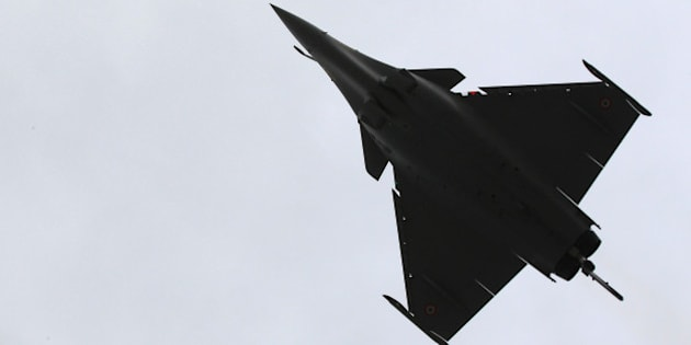 A Rafale jet fighter performs a demonstration flight in Merignac near Bordeaux, southwestern France, Wednesday, March 4, 2015. Egypt will become the first foreign buyer of Rafale fighter jets, purchasing 24 of the multi-role French-made aircraft as part of a 5.2 billion-euro (US$5.93 billion) defense deal that will strengthen Cairo's military might in a tense and violent region. (AP Photo/Bob Edme)