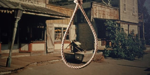 1960s ROPE HANGMAN NOOSE KNOT BACKGROUND OLD WEST COWBOY TOWN  (Photo by H. Armstrong Roberts/ClassicStock/Getty Images)