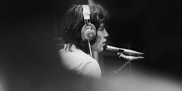 Mick Jagger of The Rolling Stones in a London recording studio during the filming of French film director Jean-Luc Godard's 'Sympathy For the Devil' (aka 'One Plus One'), 30th July 1968. (Photo by Keystone Features/Hulton Archive/Getty Images)