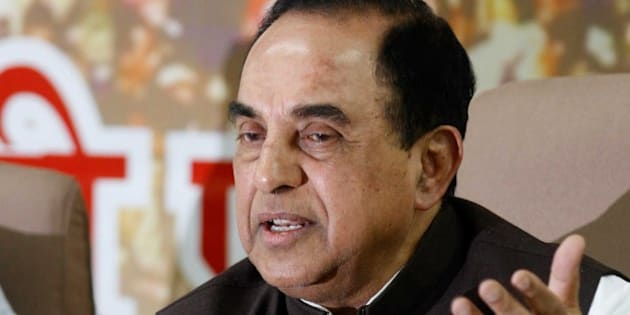 NEW DELHI, INDIA - NOVEMBER 5: BJP leader Dr. Subramanian Swamy addressing a press conference at Delhi Pradesh BJP office on November 5, 2013 in New Delhi, India. Swamy said the AAP was an 'anti-national' party and would struggle to win even a single seat in Delhi. (Photo by Virendra Singh Gosain/Hindustan Times via Getty Images)
