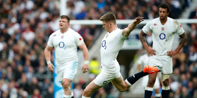 England's Owen Farrell kicks a penalty goal during their international rugby union match against New Zealand at Twickenham stadium, London, Saturday, Nov. 8, 2014. (AP Photo/Alastair Grant)