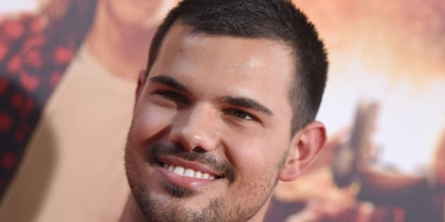 LOS ANGELES, CA - AUGUST 18:  Actor Taylor Lautner arrives at the premiere of Lionsgate's 'American Ultra' at Ace Theater Downtown LA on August 18, 2015 in Los Angeles, California.  (Photo by Axelle/Bauer-Griffin/FilmMagic)