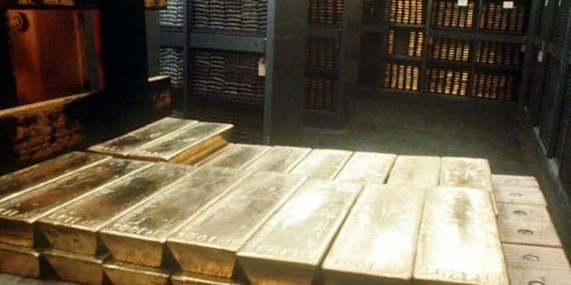 Undated photo of gold ingots in the strongroom of the Swiss national bank in Bern. The Swiss government on Wednesday, April 12, 2000, approved legislation that will allow the country's central bank to start selling part of its gold reserves at the beginning of May. (AP Photo/Archiv)