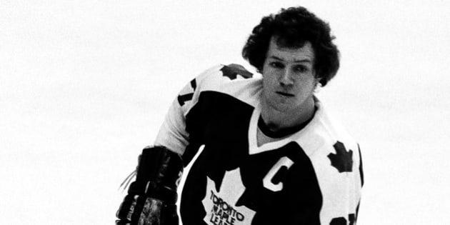 BOSTON - 1979: Darryl Sittler #27 of the Toronto Maple Leafs skates against the Boston Bruins at Boston Garden.  (Photo by Steve Babineau/NHLI via Getty Images)