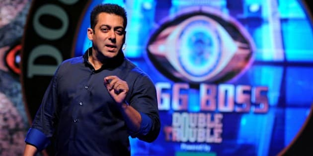 Indian Bollywood actor Salman Khan performs at the launch of the Indian reality television show Bigg Boss Nau 'Double Trouble' in Mumbai on September 28, 2015.  AFP PHOTO        (Photo credit should read STR/AFP/Getty Images)