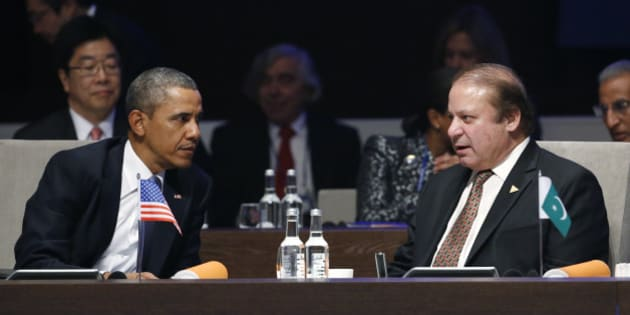 THE HAGUE, NETHERLANDS - MARCH 24:  U.S. President Barack Obama (L) speaks with Pakistan's Prime Minister Nawaz Sharif  during the opening session of the at the 2014 Nuclear Security Summit on March 24, 2014 in The Hague, Netherlands. The Nuclear Security Summit, held March 24-25, will be attended by world leaders and is aimed at preventing nuclear terrorism. (Photo by Yves Herman - Pool/Getty Images)