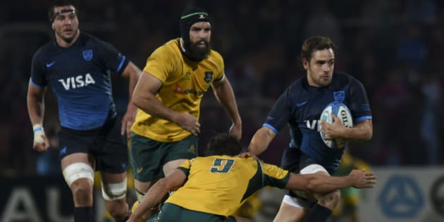 MENDOZA, ARGENTINA - JULY 25:  Nicolas Sanchez of Argentina and Nick Phipps of Australia in action during a match between Australia and Argetina as part of The Rugby Championship 2015 at Estadio Malvinas Argentinas on July 25, 2015 in Mendoza, Argentina. (Photo by Amilcar Orfali/LatinContenti/Getty Images)