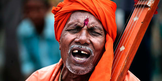 Devotee of God Vitthal is singing praises of God, Dhapewada.