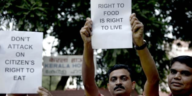NEW DELHI, INDIA OCTOBER 28: Citizen Rights Foundation Members Protest against BJP Goverment and Prime Minister Narendra Modi for Intervention on attack on Citizen Right to Eat and Delhi Police Search for Beef in Kerala House Canteen at Jantar Mantar, New Delhi.(Photo by Chandradeep Kumar/India Today Group/Getty Images