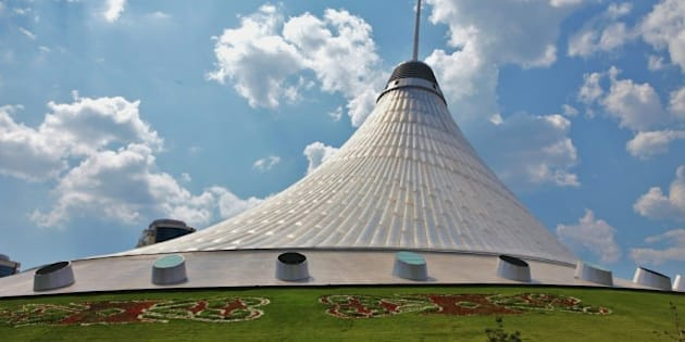 Astana, Kazakhstan, Khan Shatyr, achitect Norman Foster