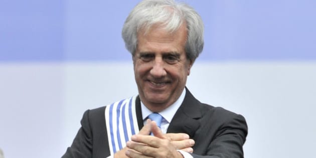 MONTEVIDEO, URUGUAY - MARCH 01: Tabaré Vázquez newly elected President of Uruguay greets during the change in command ceremony at independence square of Montevideo on March 01, 2015 in Montevideo, Uruguay. (Photo by Sandro Pereyra/LatinContent/Getty Images)