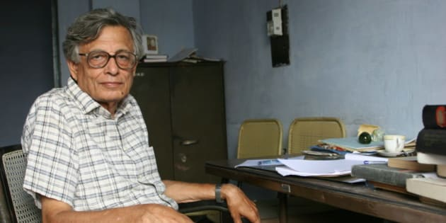INDIA - SEPTEMBER 09:  Professor Irfan Habib, Marxist Indian historian, professor in the Aligarh Muslim University and former Chairman of the Indian Council for Historical Research.  (Photo by Hemant Chawla/The India Today Group/Getty Images)