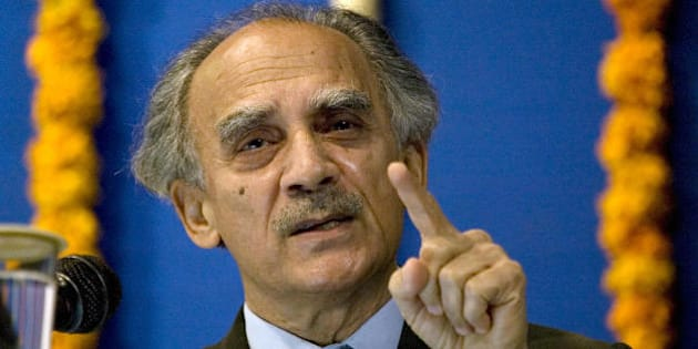 Indian economist Arun Shourie addresses a gathering in Ahmedabad on February 14, 2009.  Shourie delivered a lecture entitled Individual Liberty and National Security during the event held at the city's Tagore Hall.  AFP PHOTO/ Sam PANTHAKY (Photo credit should read SAM PANTHAKY/AFP/Getty Images)