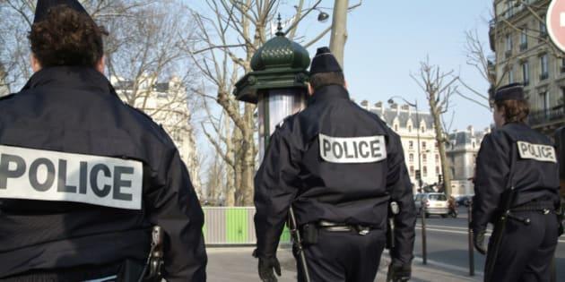France, Paris, policemen