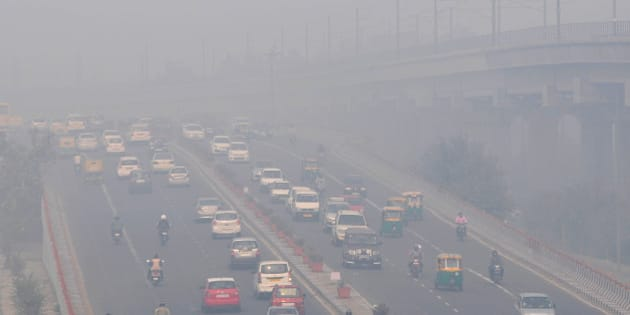 NEW DELHI, INDIA - NOVEMBER 13: Roads in the capital choked with smog after Diwali celebrations, on November 13, 2015 in New Delhi, India. Pollution soared to hazardous levels in Delhi on the night of Diwali, reaching 40 times the limit recommended by the World Health Organisation. Air pollution is also a leading cause of premature death in India, with about 620,000 people dying every year from pollution-related diseases. Experts say these particulate matters which are way above the permissible limit are extremely dangerous for people suffering from asthma and other respiratory and cardiac problems, and also for children and the elderly. (Photo by Mohd Zakir/Hindustan Times via Getty Images)