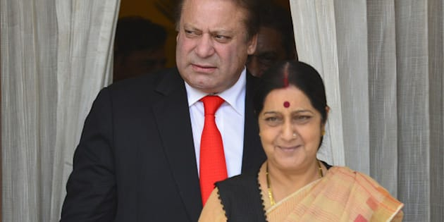 NEW DELHI, INDIA  MAY 27: Pakistan Prime Minister Nawaz Sharif and External Affairs Minister Sushma Swaraj arrive to address media persons in New Delhi.(Photo by Yasbant Negi/India Today Group/Getty Images)