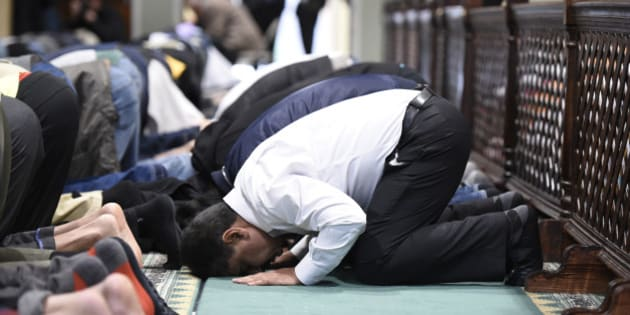 Muslim men pray at the All Dulles Area Muslim Society (ADAMS) Center in Sterling, Va., Friday, Dec. 18, 2015. (AP Photo/Sait Serkan Gurbuz)