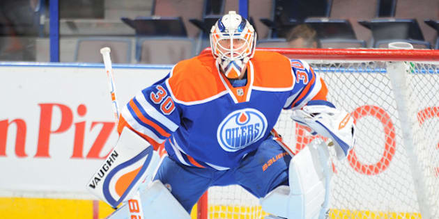 EDMONTON, AB - SEPTEMBER 29: Ben Scrivens #30 of the Edmonton Oilers warms up prior to a preseason game against the Arizona Coyotes on September 29, 2015 at Rexall Place in Edmonton, Alberta, Canada. (Photo by Andy Devlin/NHLI via Getty Images)