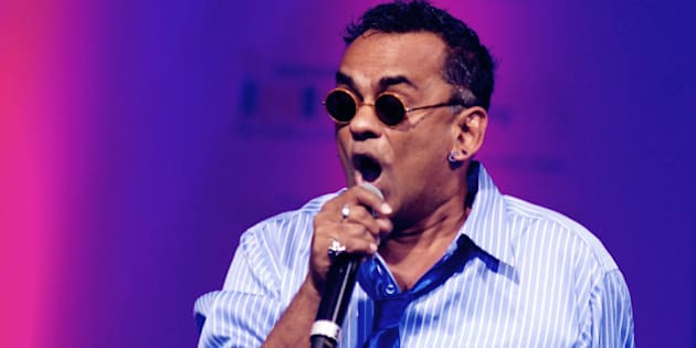 Indian Bollywood musician Remo Fernandes performs during the Tassel Fashion and Lifestyle Awards 2013 in Mumbai late July 8, 2013.  AFP PHOTO/STR        (Photo credit should read STRDEL/AFP/Getty Images)
