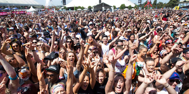 MELBOURNE, AUSTRALIA - DECEMBER 05:  Huge crowds attend and revel at STEREOSONIC Melbourne on December 5, 2015 in Melbourne, Australia.  (Photo by El Pics/GC Images)