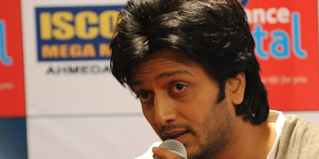 Indian Bollywood actor Riteish Deshmukh speaks during a promotion of his film 'Kyaa Super Kool Hain Hum ' in Ahmedabad on July 26, 2012. AFP PHOTO / Sam PANTHAKY        (Photo credit should read SAM PANTHAKY/AFP/GettyImages)