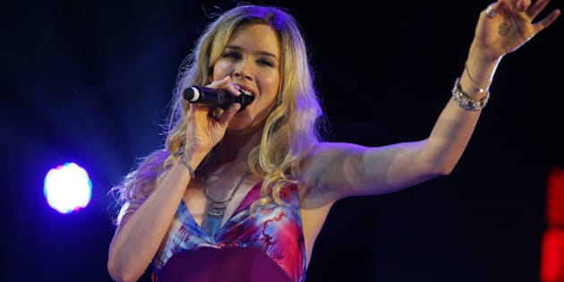 SHANGHAI, CHINA - OCTOBER 18:  (CHINA OUT) English soul and R&B singer-songwriter and actress Joss Stone performs onstage during the 2015 Shanghai JZ Festival on October 18, 2015 in Shanghai, China.  (Photo by ChinaFotoPress/ChinaFotoPress via Getty Images)