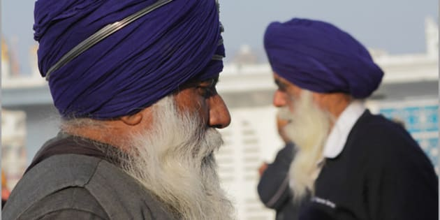""".. at harmandir sahib.  see my fav PEOPLE   <a href=""""http://flickrhivemind.net/flickr_hvmnd.cgi?search_domain=Tags&textinput=nevilzaveri,people,portrait&search_type=Search+Tags&photo_number=100&photo_type=250&sort=Interestingness&page=1&tag_mode=all"""" rel=""""nofollow"""">here</a>"""