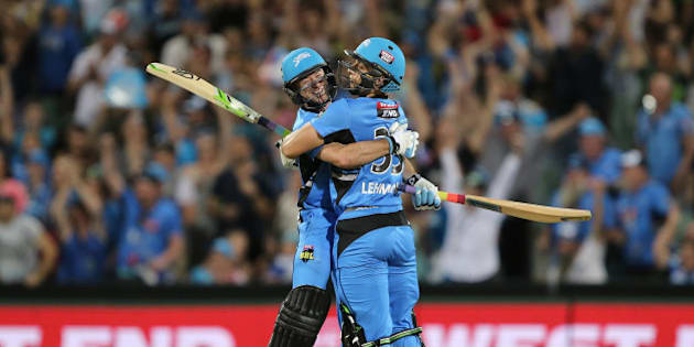 ADELAIDE, AUSTRALIA - JANUARY 13:  Tim Ludeman and Jake Lehmann of Adelaide celebrate their win during the Big Bash League match between the Adelaide Strikers and the Hobart Hurricanes at Adelaide Oval on January 13, 2016 in Adelaide, Australia.  (Photo by James Elsby/Getty Images)