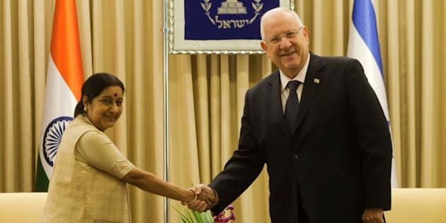 Israeli President Reuven Rivlin meets with Indian Foreign Minister Sushma Swaraj at his residence in Jerusalem on January 18, 2016. / AFP / AFP AND POOL / Dan Balilty        (Photo credit should read DAN BALILTY/AFP/Getty Images)