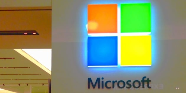 Microsoft Store, Connecticut, 12/2014 by Mike Mozart of TheToyChannel and JeepersMedia on YouTube