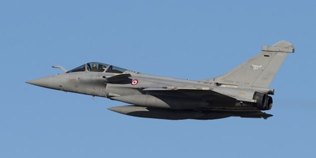 A French Air Force Dassault Rafale fighter aircraft flies during the inaugural Trilateral Exercise between the US Air Force, United Kingdom's Royal Air Force and the French Air Force at Joint Base Langley-Eustis in Hampton, Virginia, December 15, 2015. AFP PHOTO / SAUL LOEB / AFP / SAUL LOEB        (Photo credit should read SAUL LOEB/AFP/Getty Images)