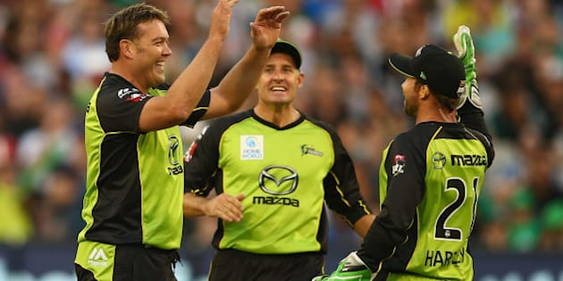 MELBOURNE, AUSTRALIA - JANUARY 24:  Jacques Kallis of the Thunder celebrates after taking the wicket of David Hussey of the Stars during the Big Bash League final match between Melbourne Stars and the Sydney Thunder at Melbourne Cricket Ground on January 24, 2016 in Melbourne, Australia.  (Photo by Robert Cianflone - CA/Cricket Australia/Getty Images)