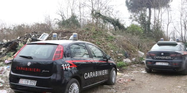 GRUMO NEVANO, NAPOLI, ITALY - 2016/01/28: Police cars during the investigation in Napoli. Two bullets in the face. And then the body set on fire. A Charred corpse was found in a dirt road near the exit of Grumo Nevano (Napoli). According to the first investigations of the Police could be the body of a man. (Photo by Salvatore Esposito/Pacific Press/LightRocket via Getty Images)