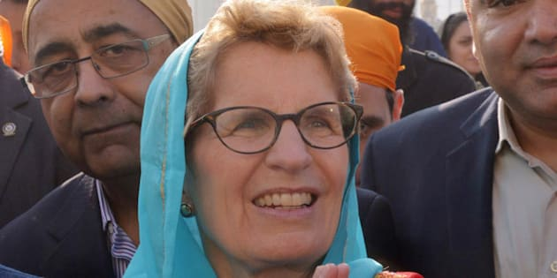 Canada's Premier of Ontario Kathleen Wynne visits the Golden temple in Amritsar on January 31, 2016. AFP PHOTO/NARINDER NANU / AFP / NARINDER NANU        (Photo credit should read NARINDER NANU/AFP/Getty Images)