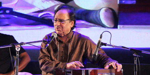 THIRUVANANTHAPURAM, INDIA - JANUARY 15: Pakistani Ghazal Maestro Ghulam Ali performs during musical concert at Nishagandhi Auditorium on January 15, 2016 in Thiruvananthapuram, India. The 75-year-old singer is in Kerala as the states guest and the event was organised on behalf of the Kerala government. Two of Ali's scheduled concerts in Mumbai and Pune in October were cancelled following protests from Shiv Sena. (Photo by Vivek Nair/Hindustan Times via Getty Images)