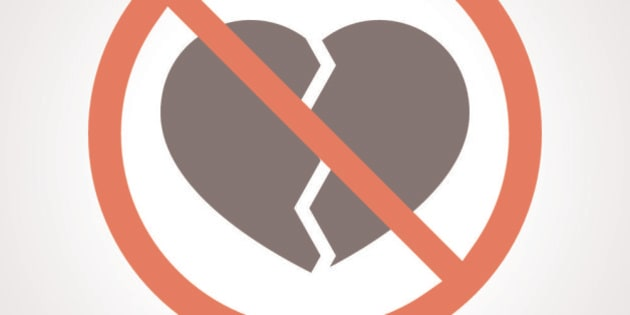 Illustration of a forbidden signal with a broken heart